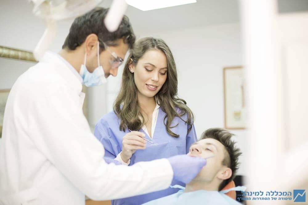 לימודי הכנה לסייעות שיניים בעלות ותק
